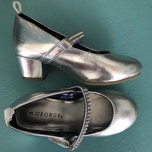 Girls Silver Heels Fancy Dress up shoes sz 8